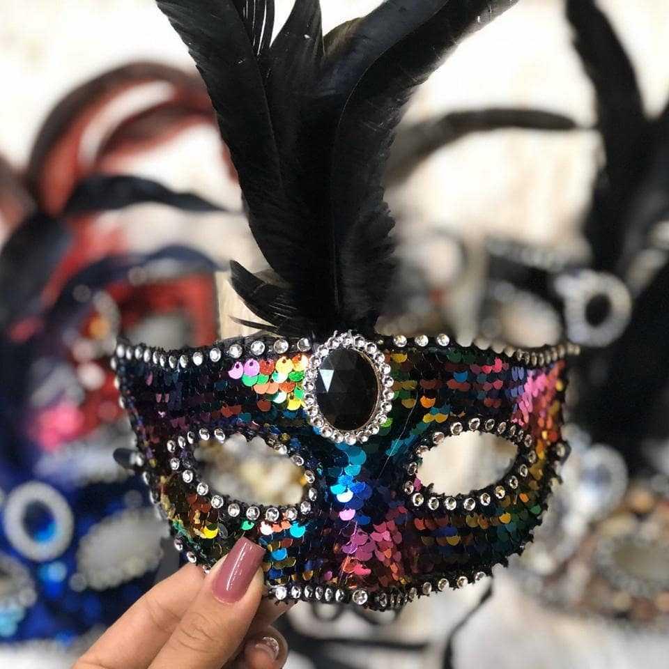 mascara preta multicor