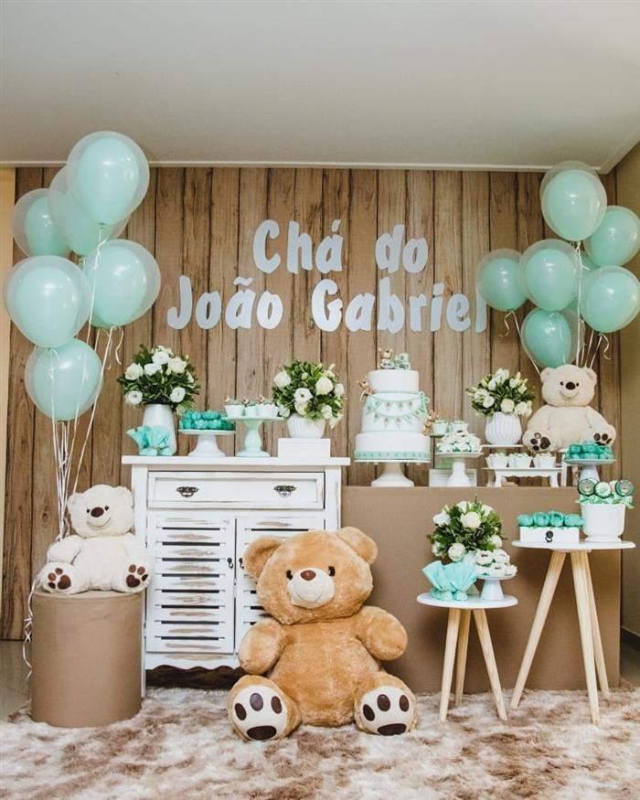 A decoração dos meninos fica bem diferente em tons de verde