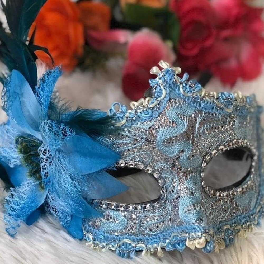 mascara bordada azul