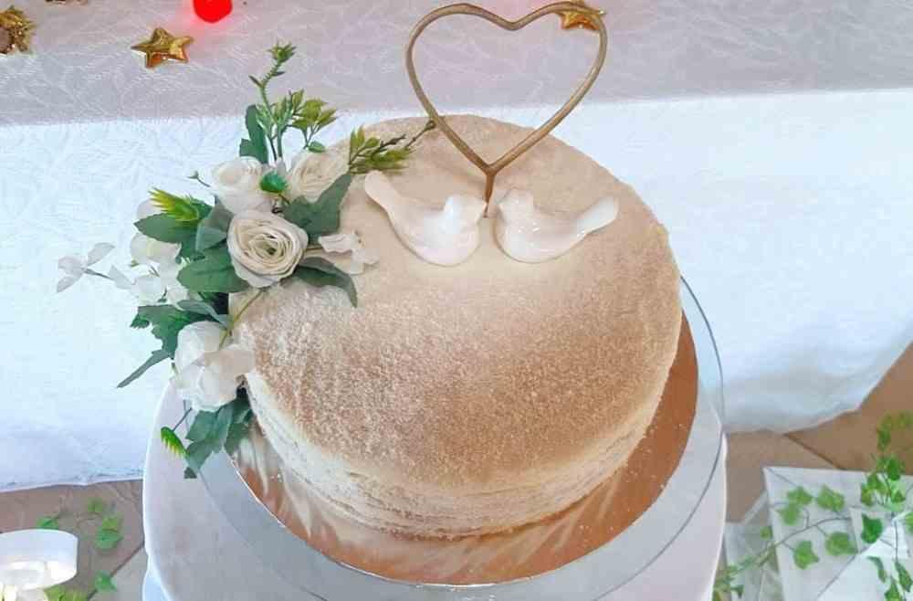 bolo de noivado com passarinhos