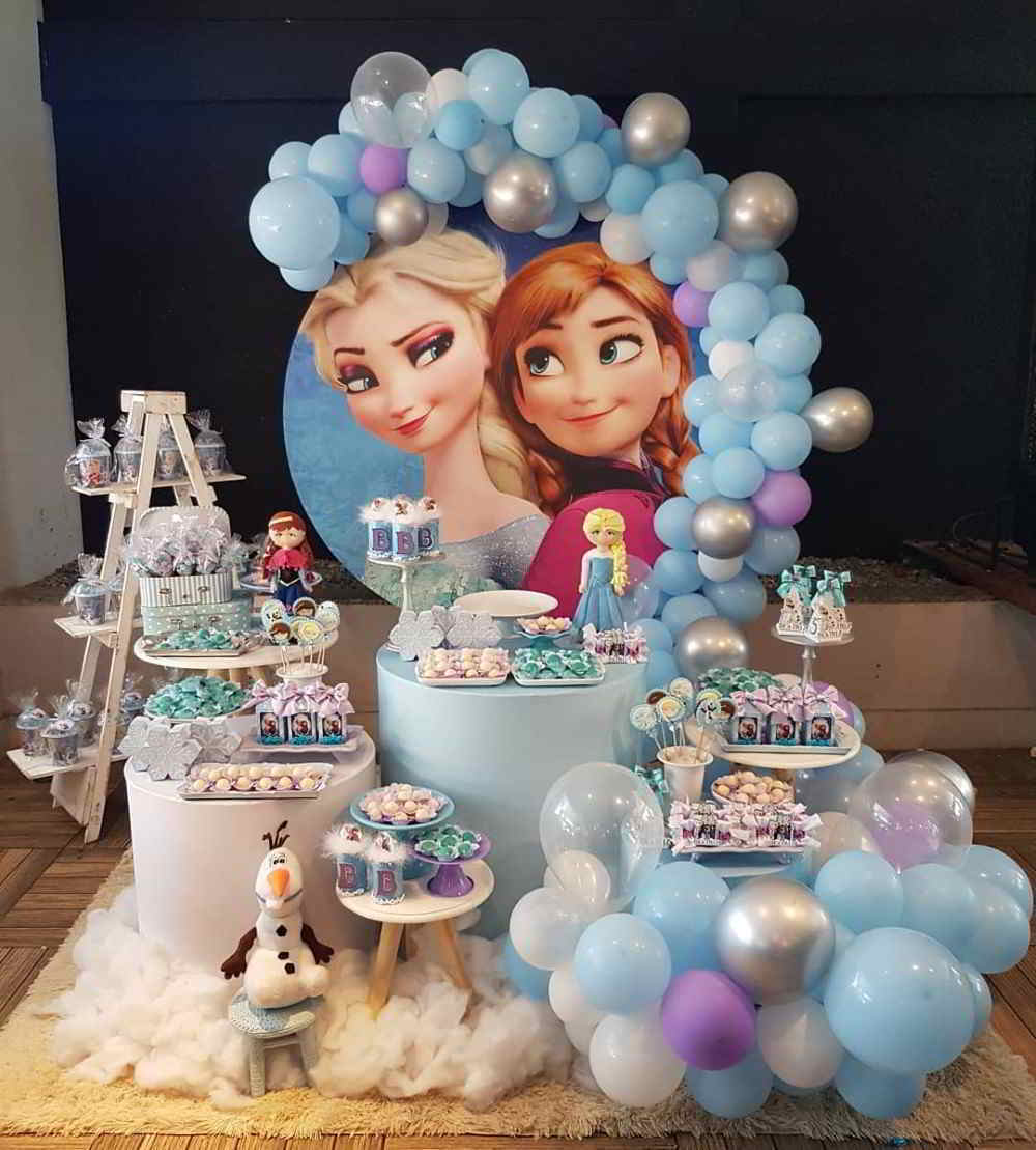festa frozen com balões