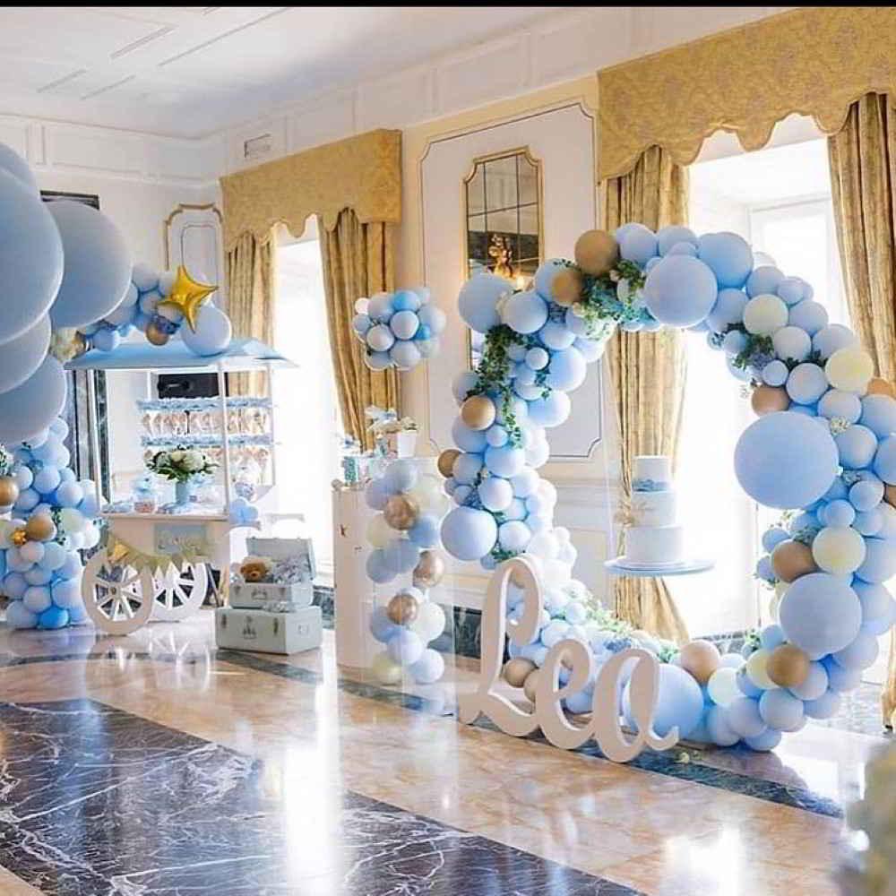 arco de balões azul