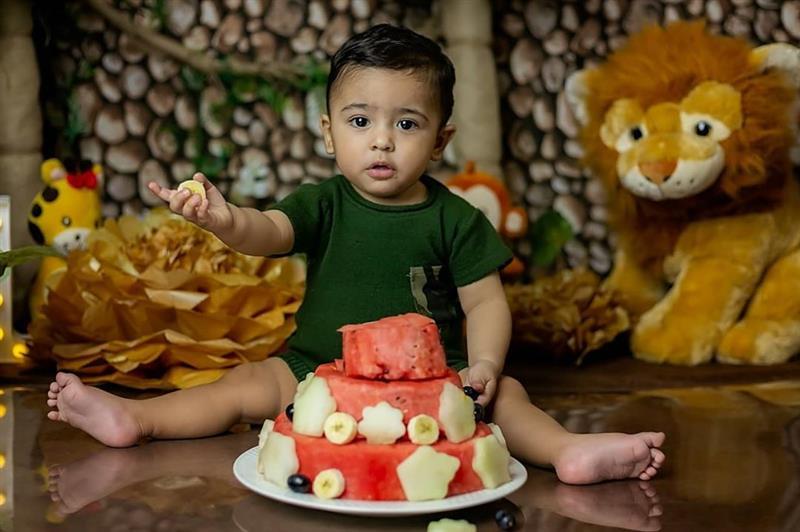 O bolo de frutas é uma opção saudável para as crianças