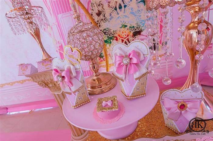 Caixinha da Minnie rosa com dourado