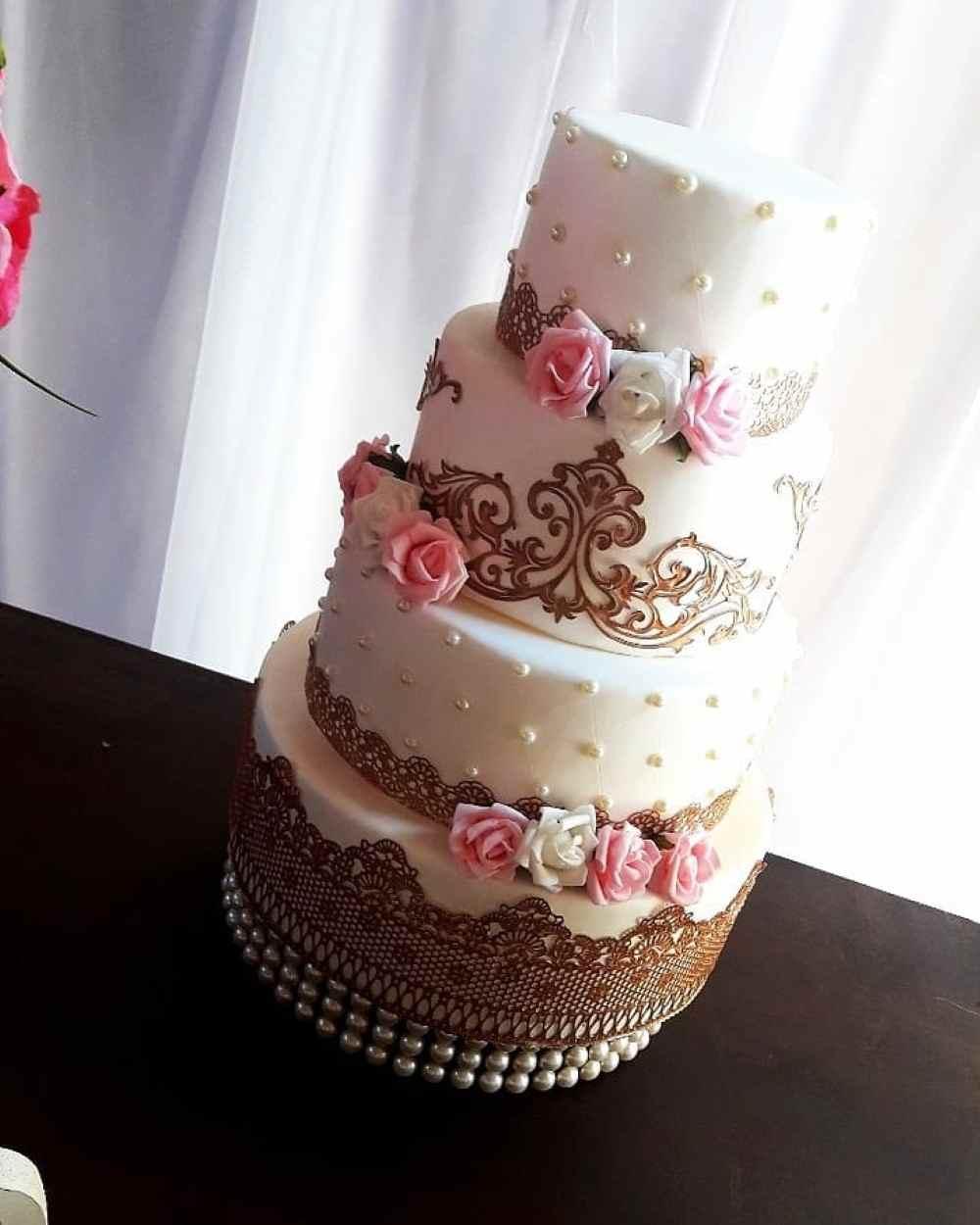 bolo de 4 andares para noivado