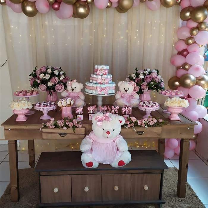 A ursinha pode ganhar a combinação de rosa com dourado