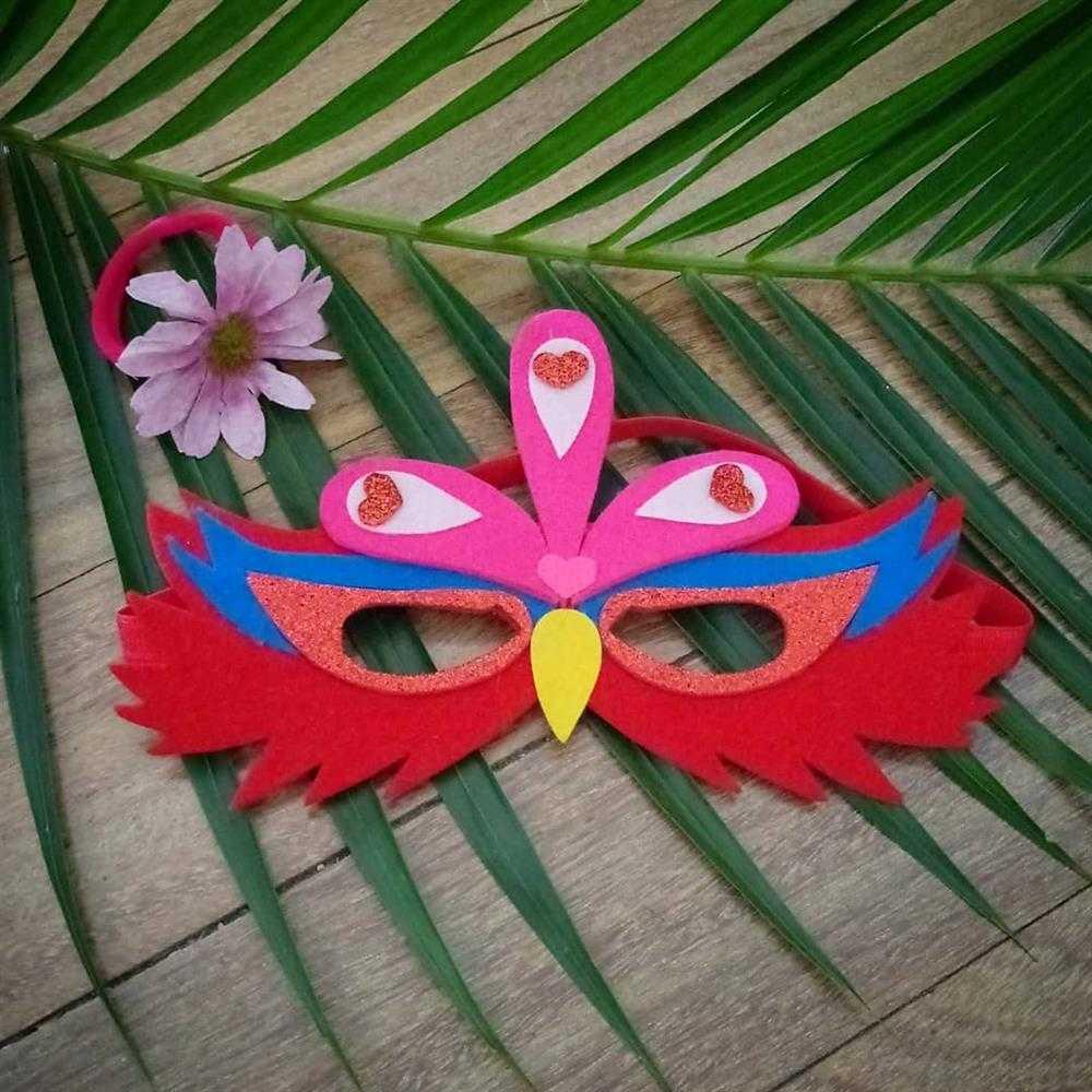 mascara ave vermelha