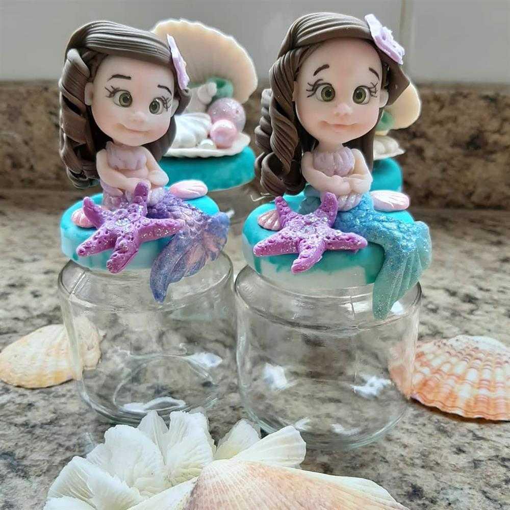 potinho de vidro decorado com biscuit