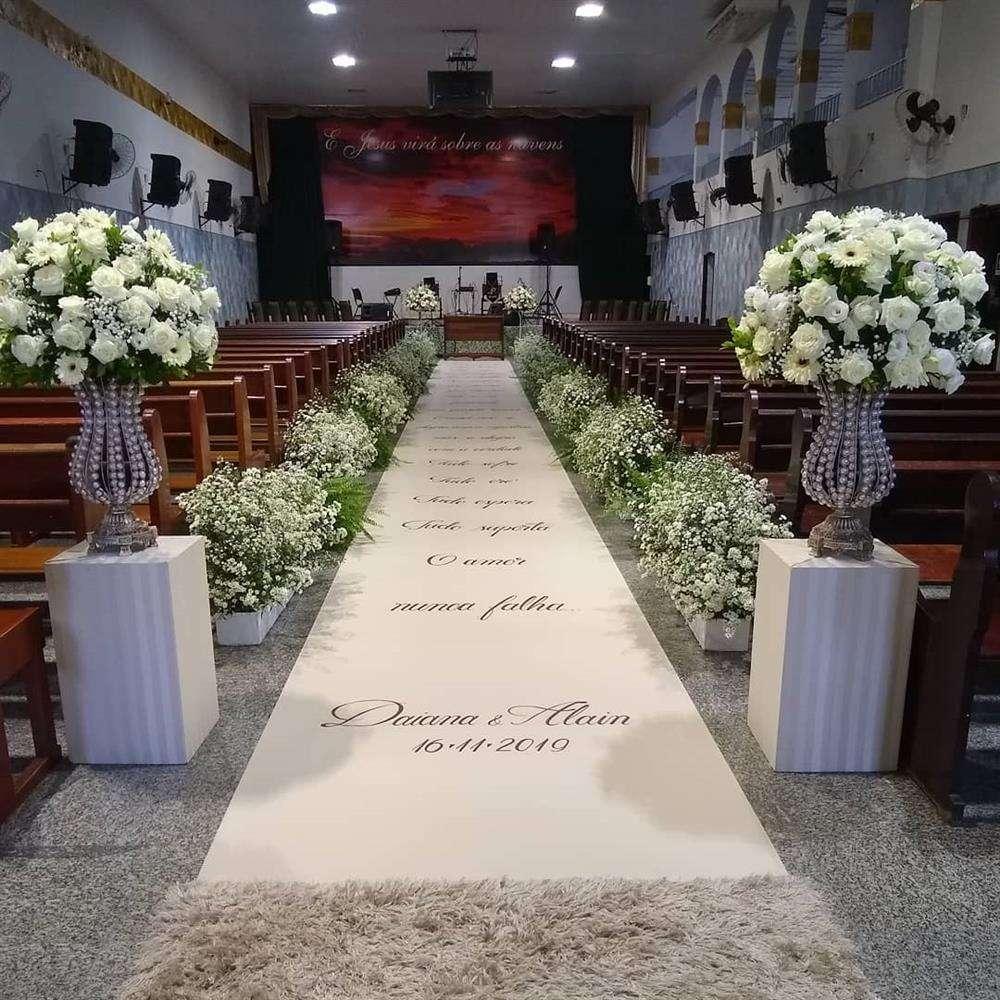 decoração com passarela escrita para casamento