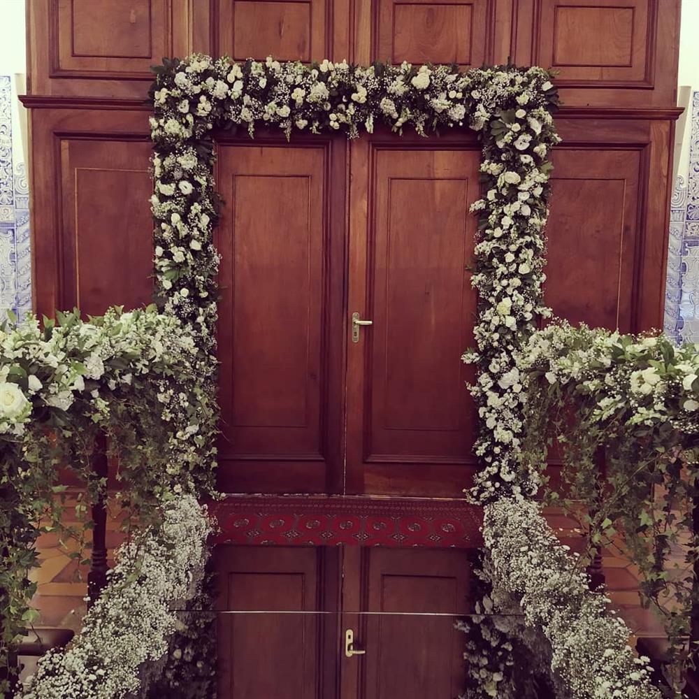 decoração para porta de igreja