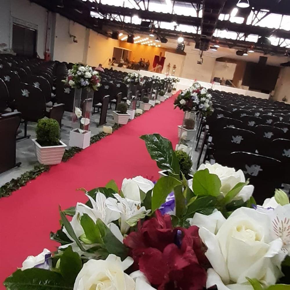 decoração para casamento vermelho e branco