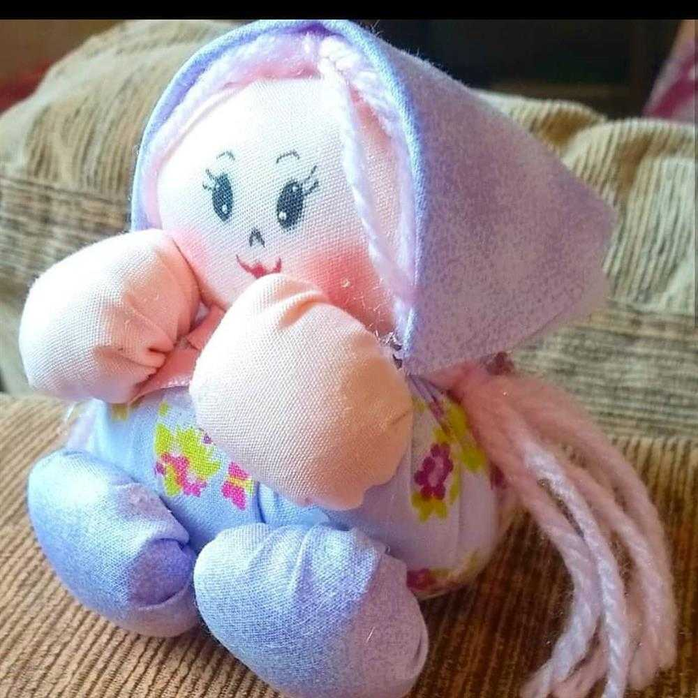 boneca artesanal de fuxico