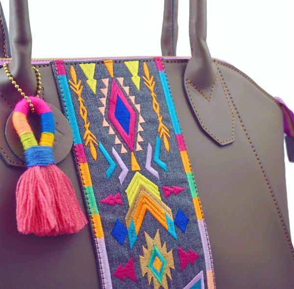 bolsa com bordado a mão