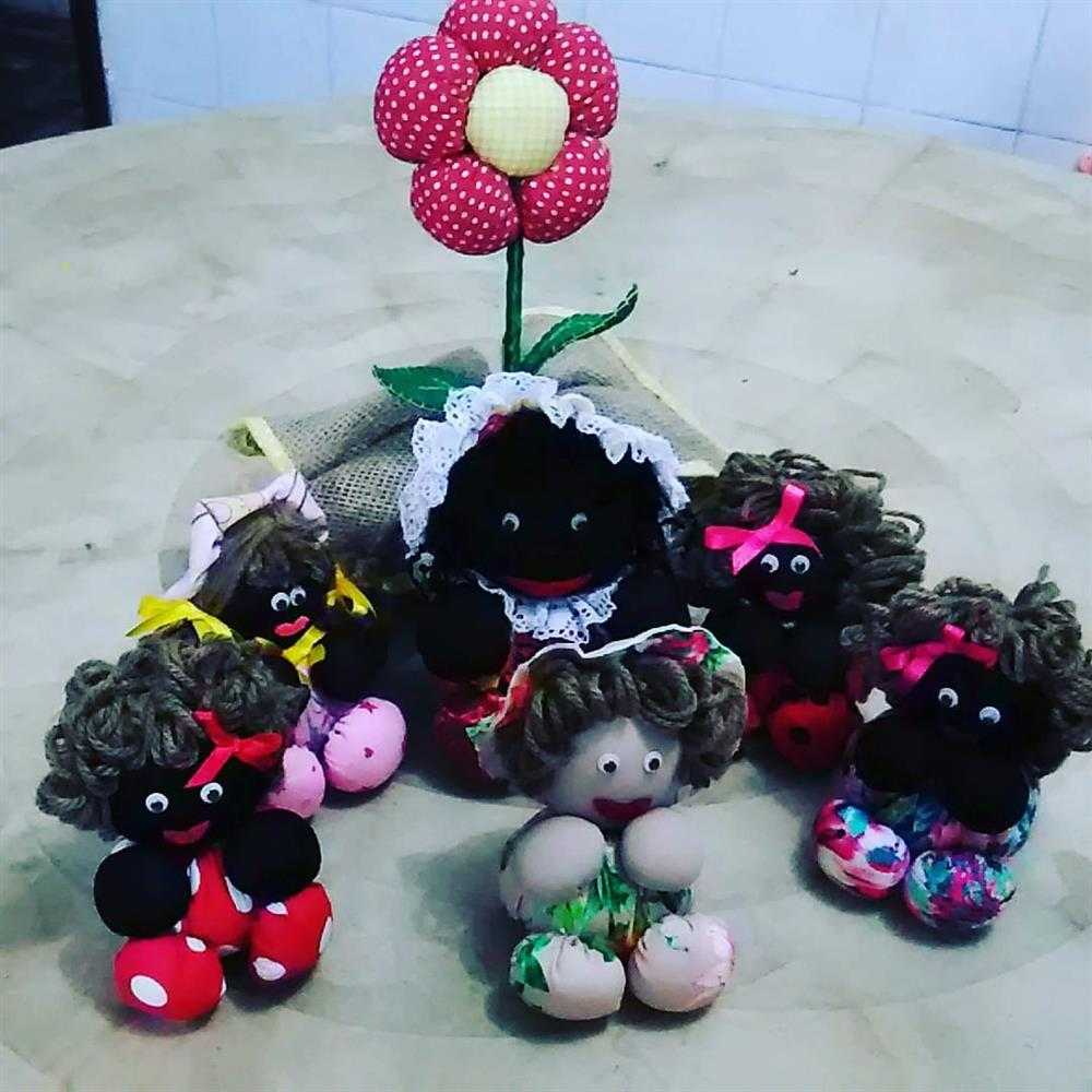 boneca de fuico negra