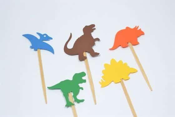 dinossauro no palito