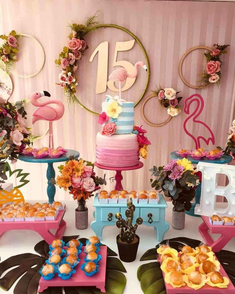 decoração para festa de quinze anos