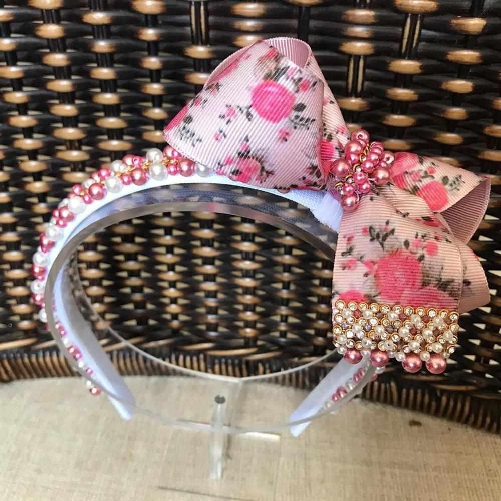 tiara rosa com perolas