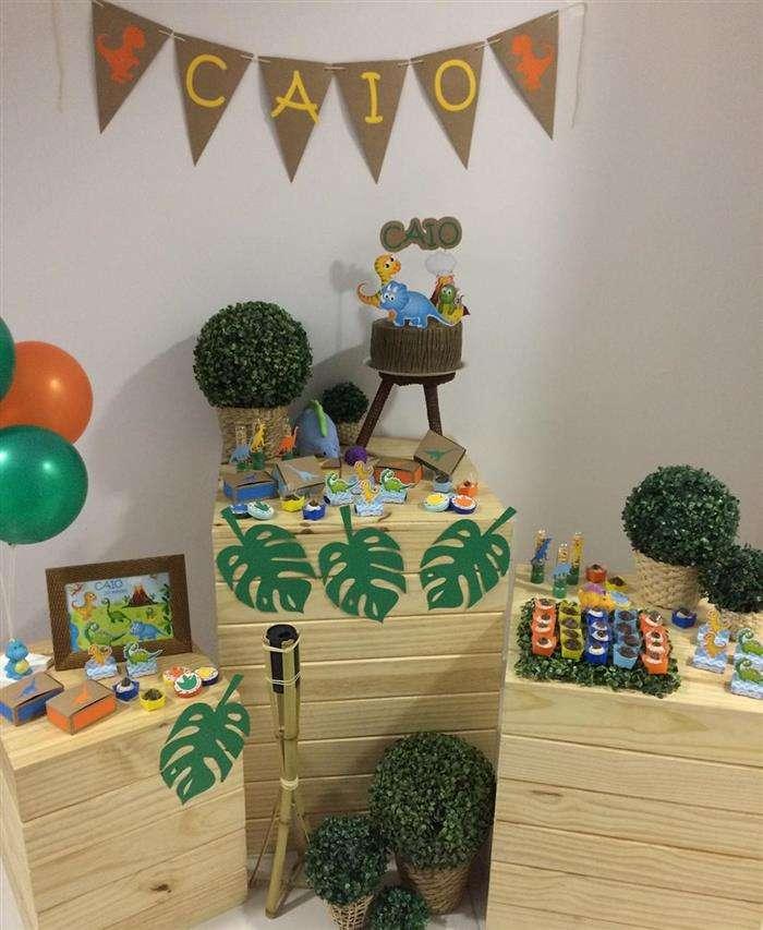 decoração com caixote dinossauro