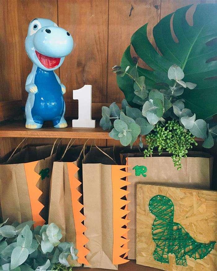 sacolas decoradas dinossauro