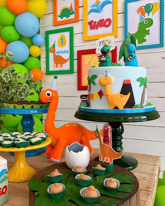 decoração dinossauro festa infantil simples