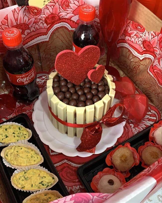 caixa festa com bolo