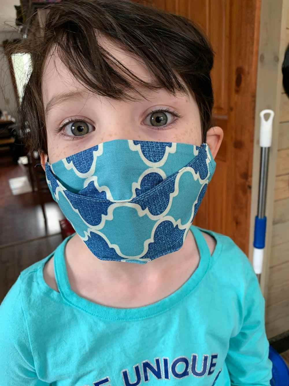 máscara 3d de tecido infantil