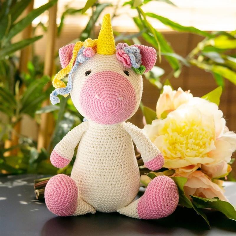 unicornio sentado de croche