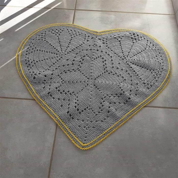 passadeira de crochê de coração