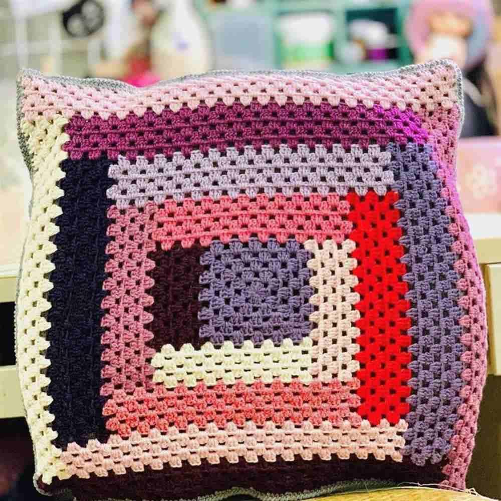 almofada de listras coloridas