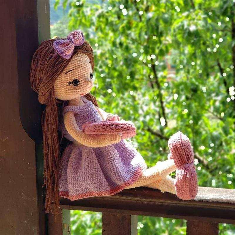 Boneca gigante com vestido e sapatinho