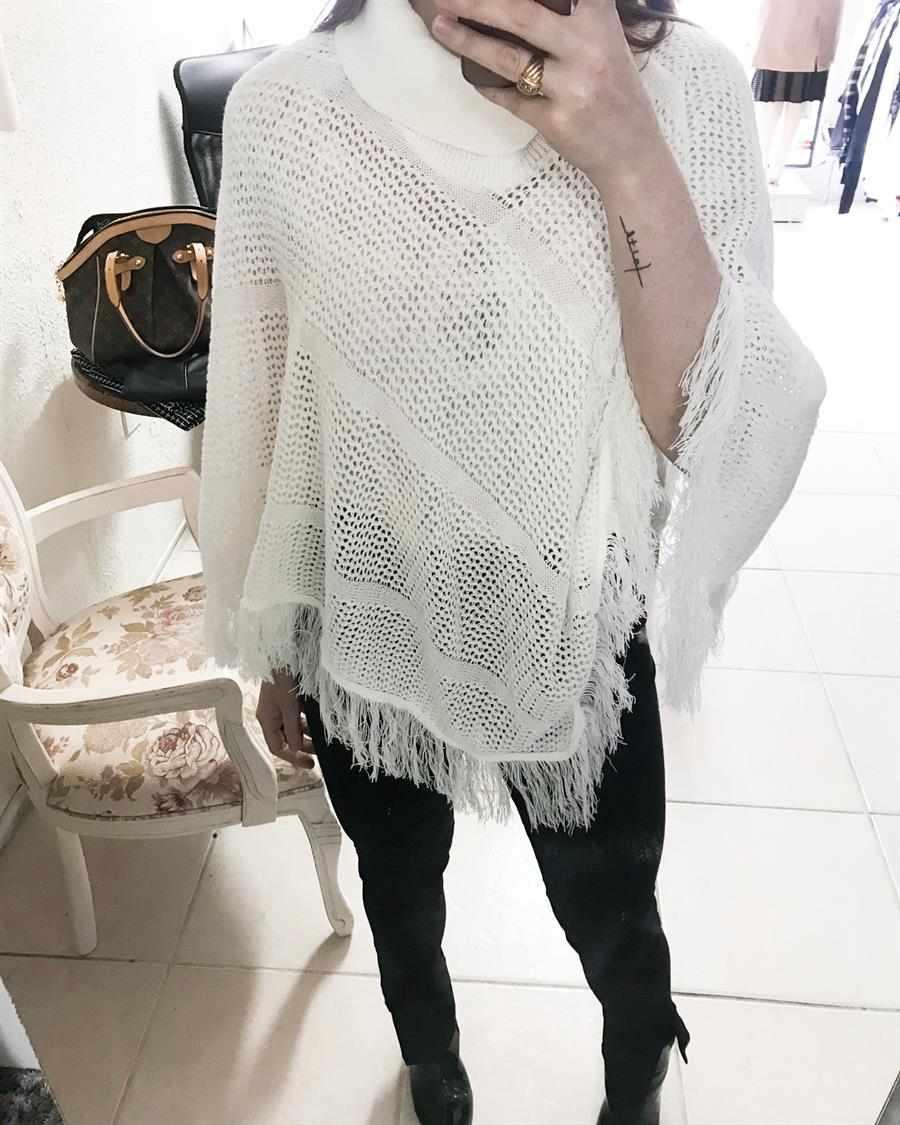poncho branco moderno