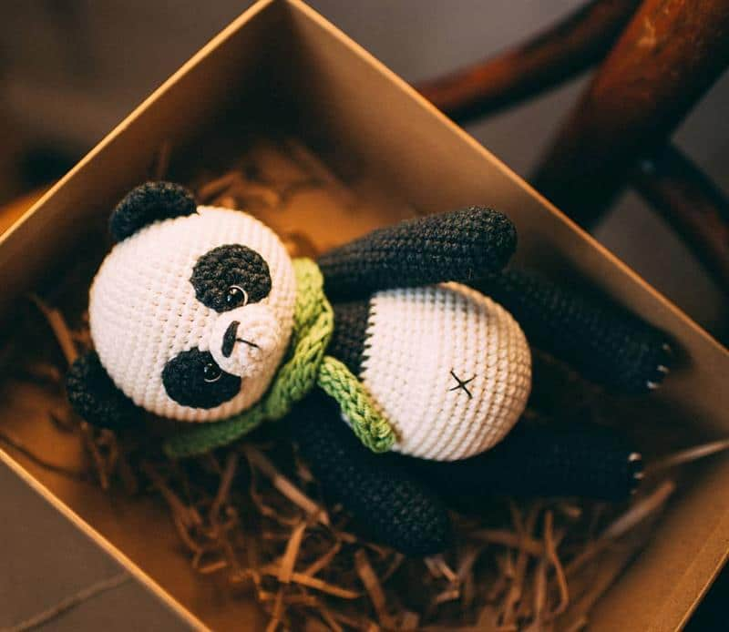 urso panda preto e branco