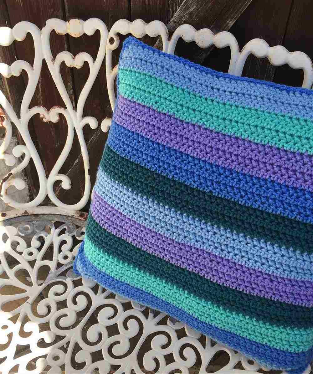 peça listrada e colorida