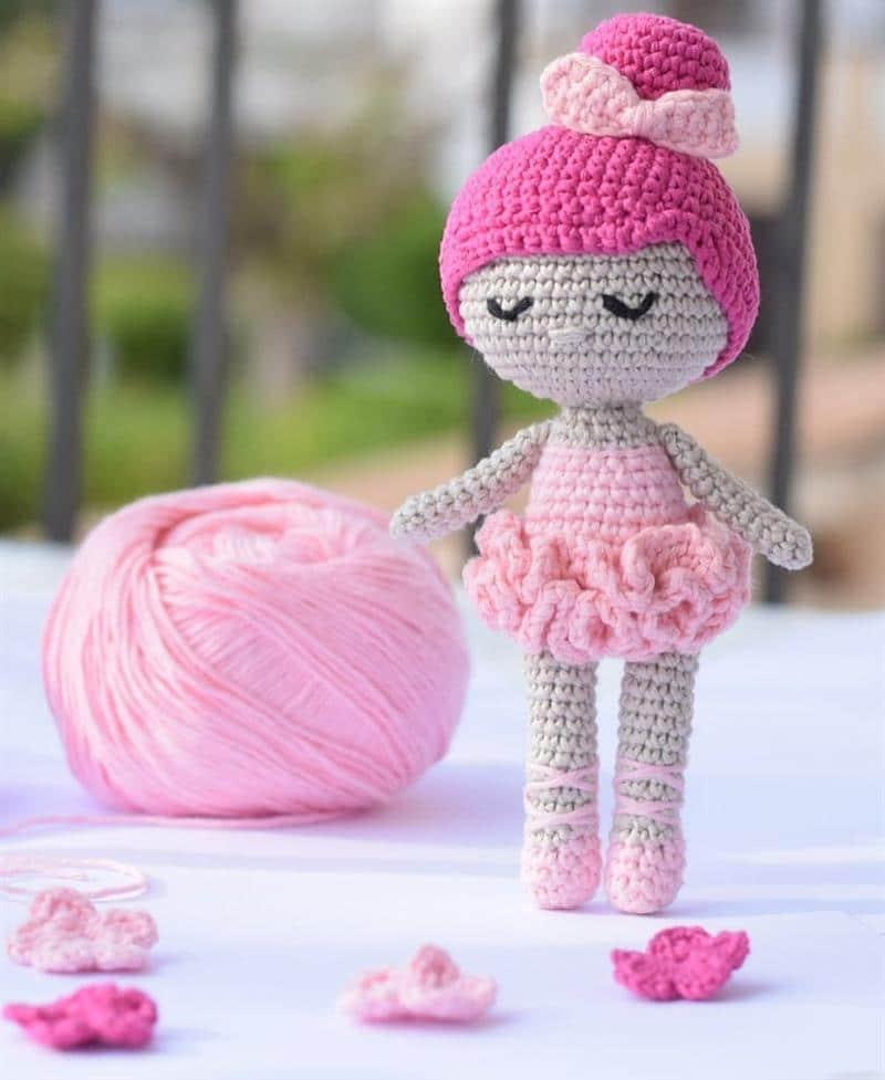boneca bailarina de croche rosa