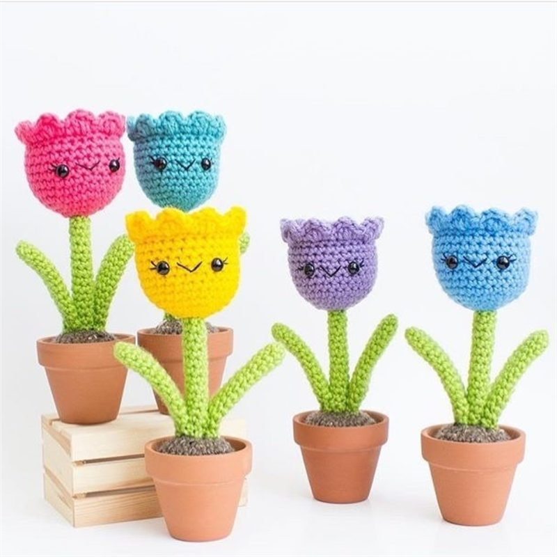 vasinhos de flores de croche