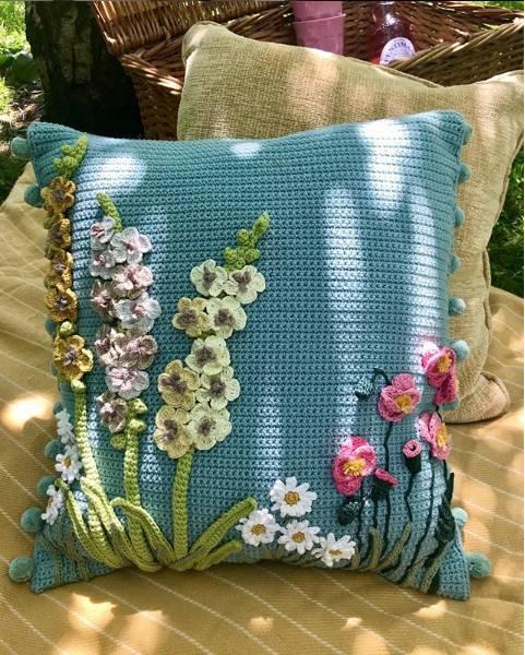 almofadas com tema de flor