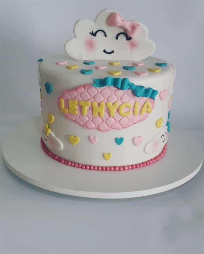 bolo pequeno nuvem de amor