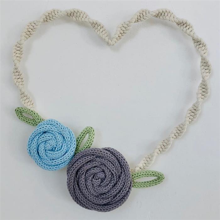 coração de tricotin