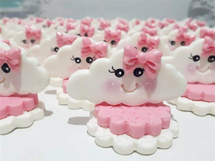 nuvem de amor em biscuit