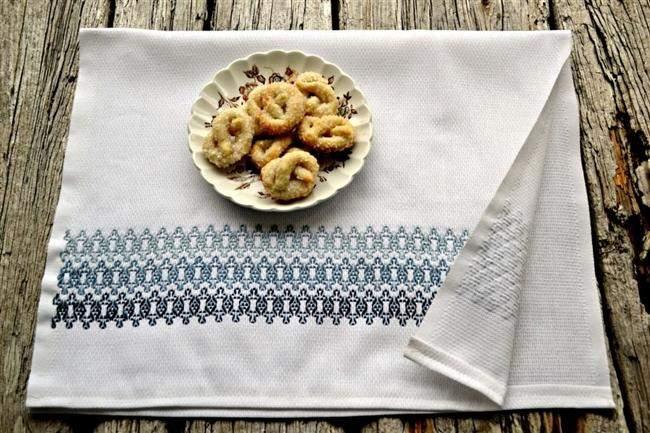 pano de prato com bordado de linha