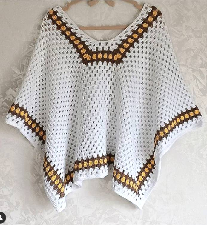 poncho branco de trico