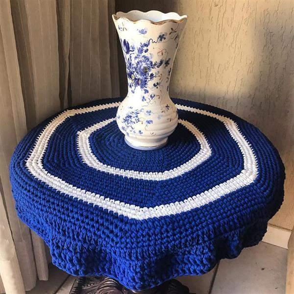 toalha de croche azul com branca