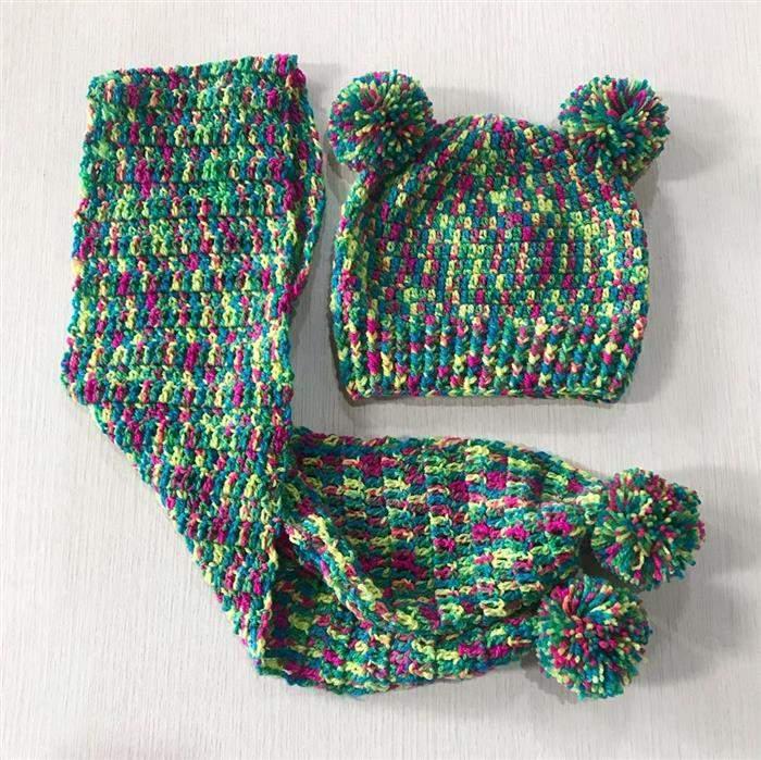 touca colorida de trico