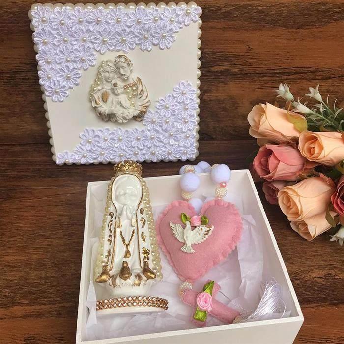 Caixa decorada para madrinha de batismo