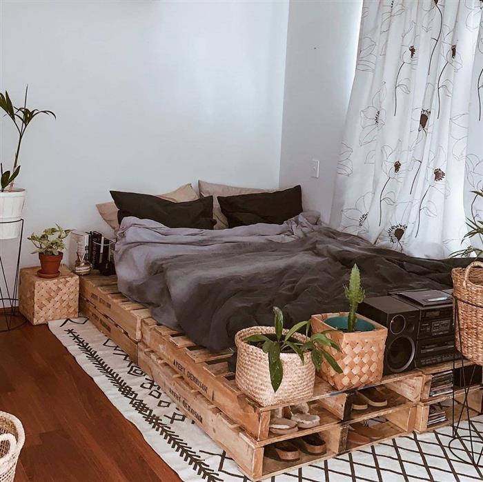 cama de palete com sapateira