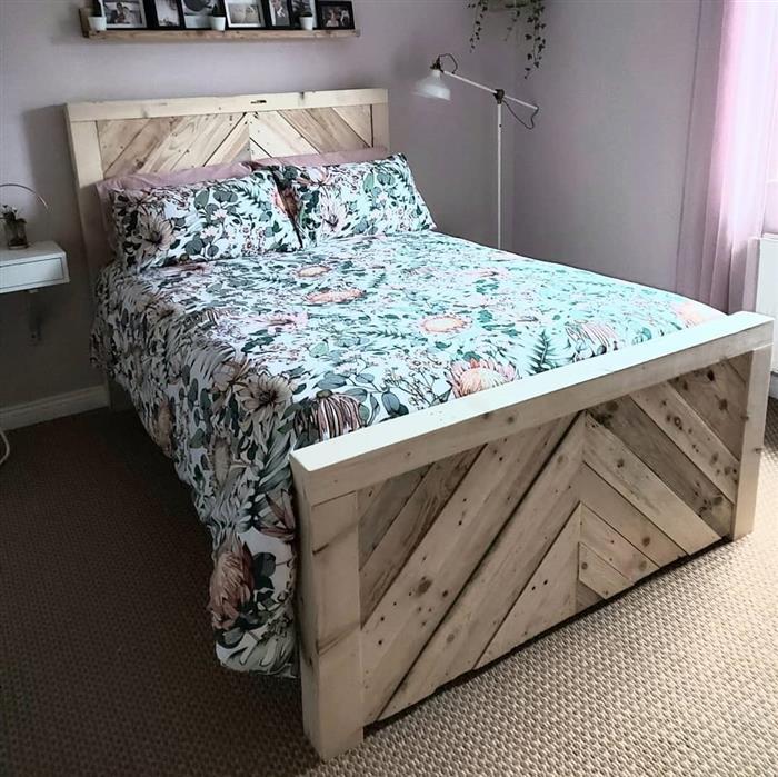 cama de madeira de pallet
