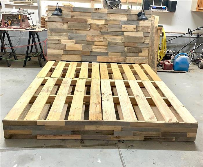 base de madeira com pallets