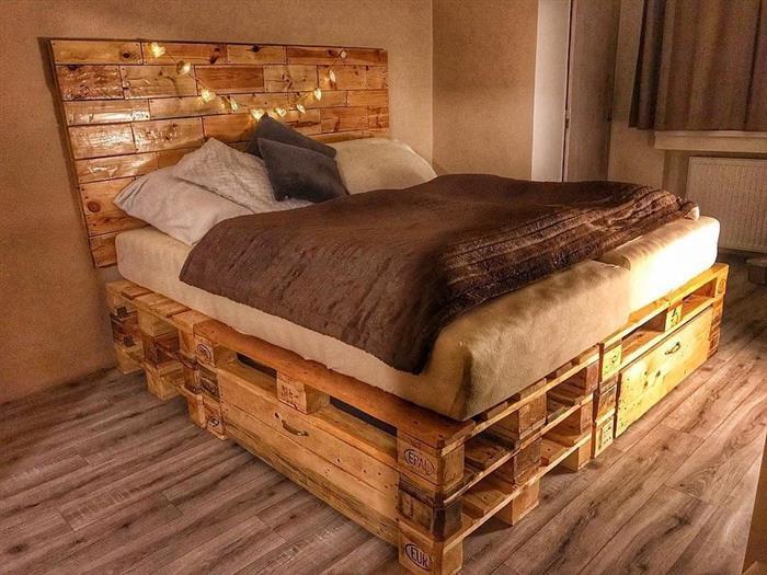 cama de palete com verniz