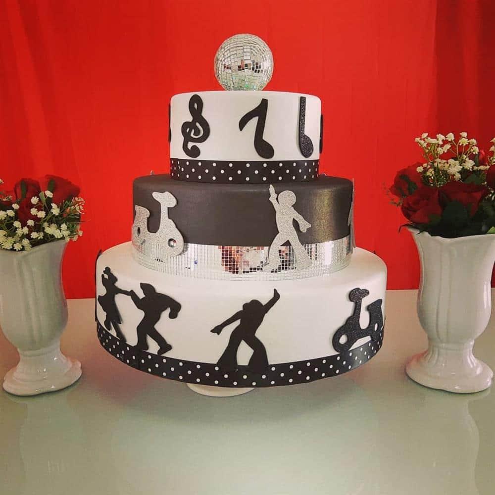 bolo fake preto e branco anos 60