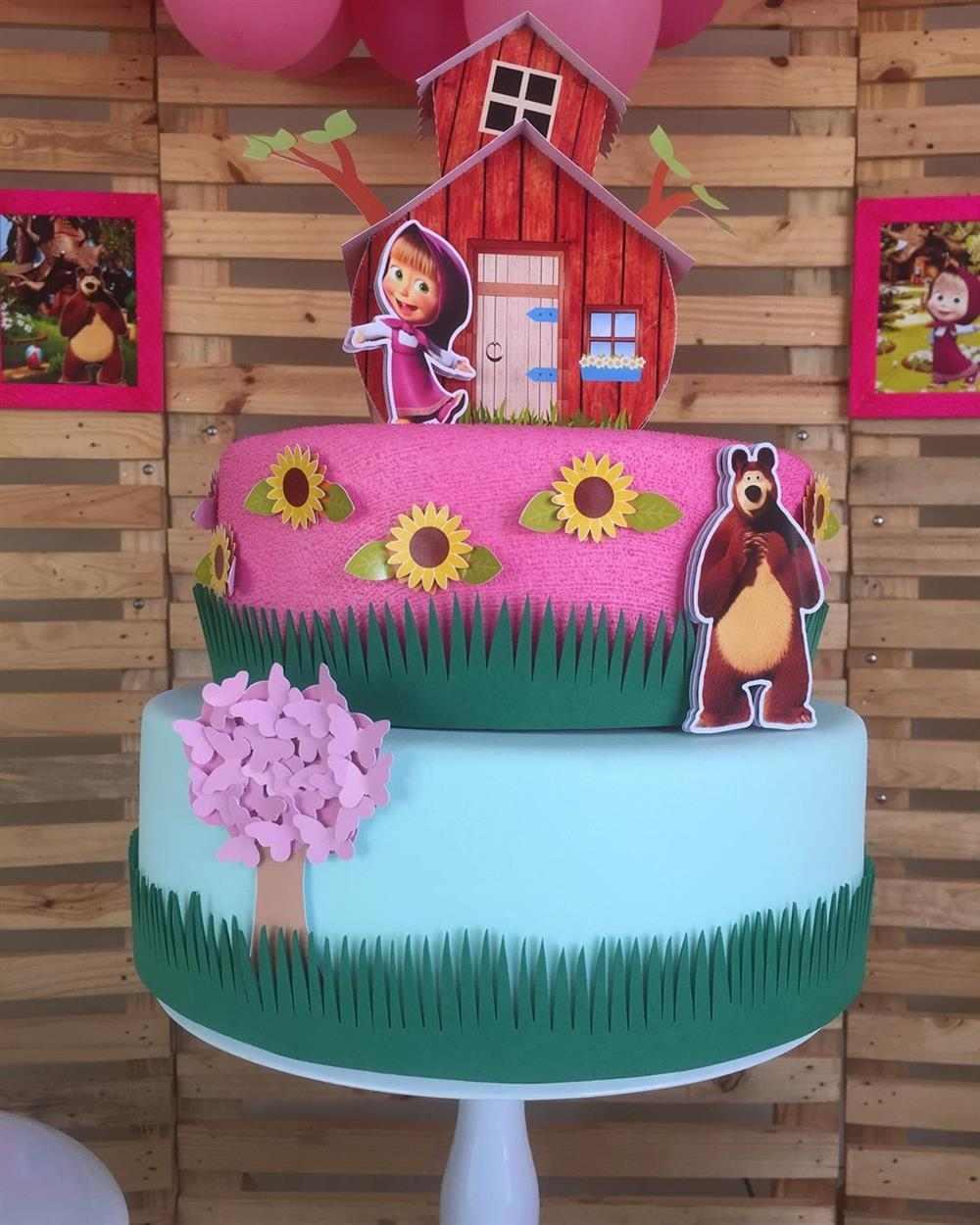 bolo fake de eva para aniversario Masha e o Urso